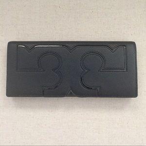 Tory Burch Handbags - Tory Burch Serif Clutch