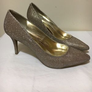 143 girl Shoes - 143 girl woman's size 11 glitter pumps