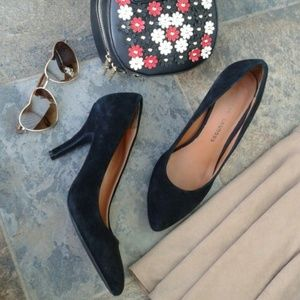 Chinese Laundry Shoes - SALE!!! Chinese Laundry Black Suede Pumps Size 8