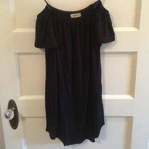 NYTT Dresses & Skirts - Black off the shoulder short tshirt dress