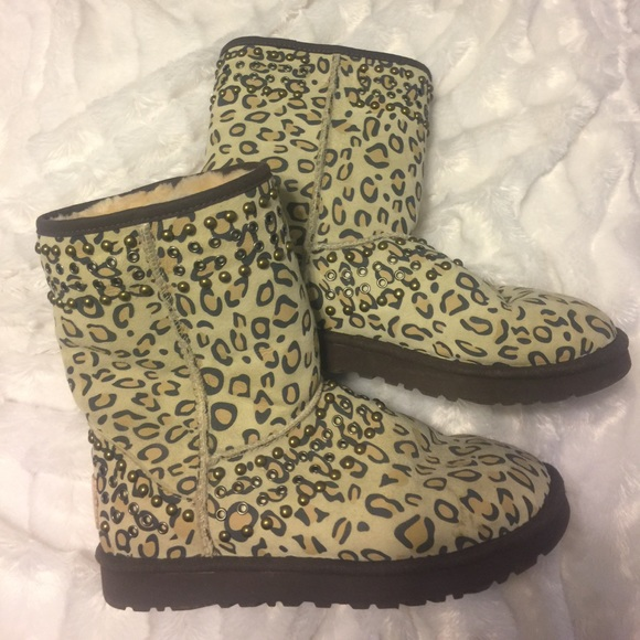3d8ead659e1 UGG   Jimmy Choo Limited Edition Shoes. M 590fc8ee620ff794590d2266