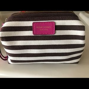 henri bendel Handbags - Henri Bendel Cosmetic bag