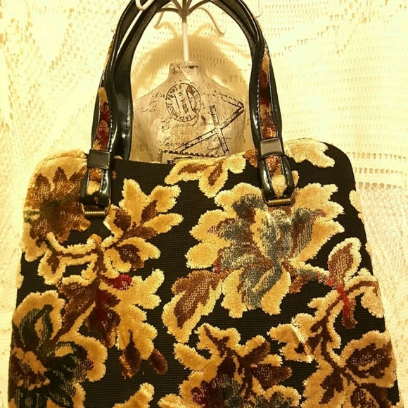 7f15a11fa763 Garay Handbags - Sale!! VtG GARAY Autumn Colors Tapestry Carpet bag