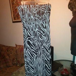 Dresses & Skirts - Sexy Zebra Print Dress