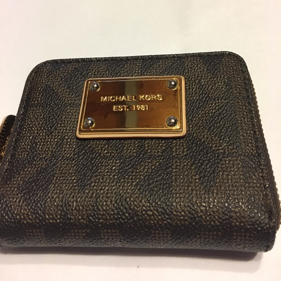 70e6a41fc0cd KORS Michael Kors Bags | Mk Small Zipper Wallet | Poshmark