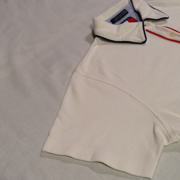 Tommy hilfiger vtg tommy hilfiger short sleeve shirt sz for I see both sides like chanel shirt