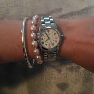 Victorinox Jewelry - GUC Victorinox Swiss Army watch. Model: Vivante.