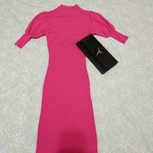 Mustard Seed Dresses & Skirts - Fuschia Fitted Dress with Keyhole Back!