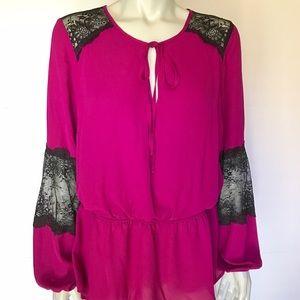 Thalia Sodi Tops - {thalia sodi} magenta and black blouse