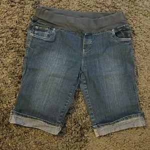 Oh! Mamma Pants - Maternity jean shorts