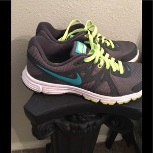 Women's Nike sz 9