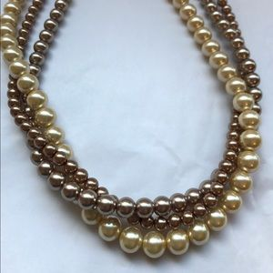 Jewelry - Multi strand pearl necklace