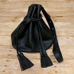 Urban Outfitters Handbags - Urban Outfitters Crossbody Bucket Bag
