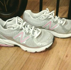 New Balance Other - Girls New Balance tennis shoes