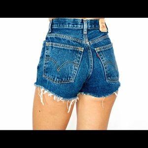 Vintage 501 Levi jean shorts