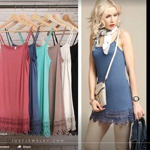 Monoreno Tops - JJ Boutique Monoreno Grey Lace-Trimmed Cami/Tunic