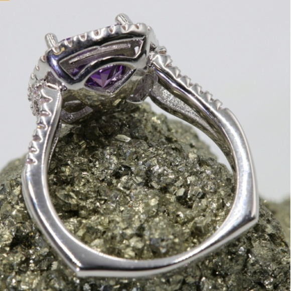 Jewelry - New Platinum Plated Zircon w/Purple Stone Ring  9