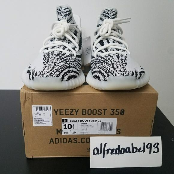 7b0d428f0894a Adidas Yeezy 350 v2 Zebra Size US 10.5