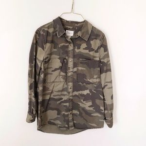 Forever 21 Tops - CAMOUFLAGE BUTTON UP SHIRT