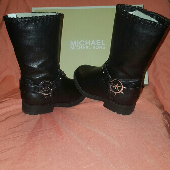 684b1aaea99a5 M 59108095a88e7d9354004817. Other Shoes you may like. Girls Michael Kors ...