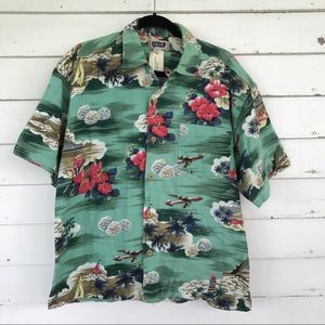 QUE Other - Button front Hawaiian top men's Button new