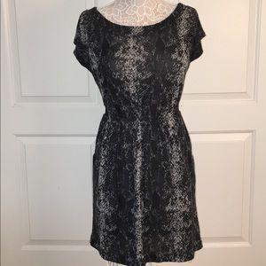 Dresses & Skirts - Cute snakeskin print dress