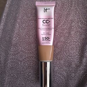 It cosmetics CC+ illumination medium.