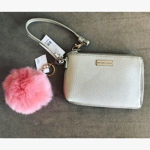 New York & Company Handbags - 💥SALE💥Small bag 💝