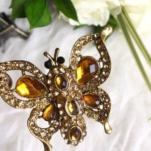 Jewelry - Rhinestone Butterfly Statement ring