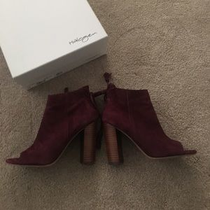 Halogen shoes, Maroon with a chunky heel