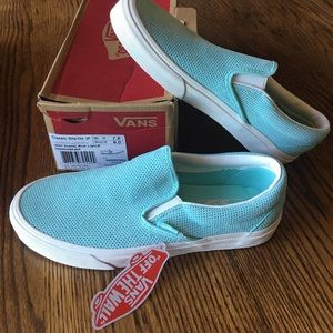NWT Vans Classic Slip On, Womens Size 9 