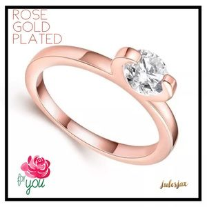 Jewelry - Solitaire rose gold plated ring