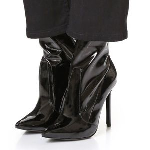 Schultz Shoes - Schultz Brunny Bootie Black Patent Leather Size 7