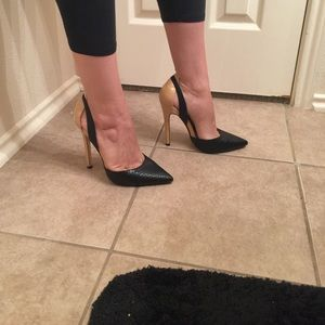 just fab Shoes - 🎉final price🎉black and nude heels
