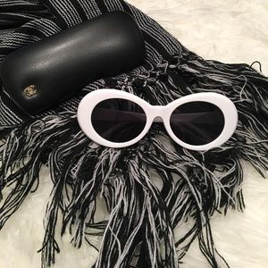 "simplylovable Accessories - White ""Kurt Cobain"" Sunglasses"