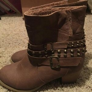 Shoes - Womens ankle boots brown/tan