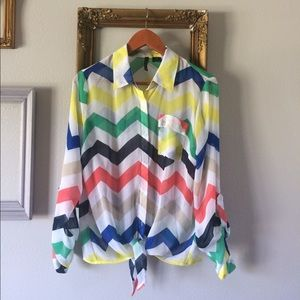 new directions Tops - Adorable Chevron Top!!