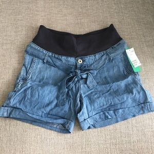 H&M Pants - NWT Denim maternity shorts
