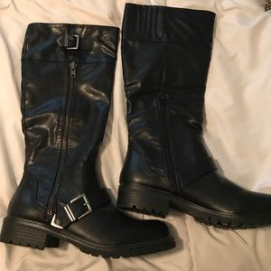 XOXO Shoes - NWOT 😍Black XOXO boots size 10 NEVER WORN!