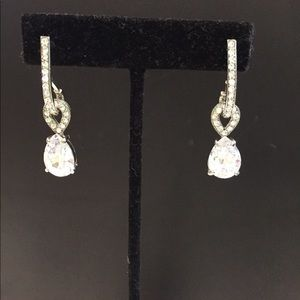 Jewelry - Crystal drop earrings