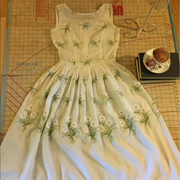 Dresses & Skirts - 1950s vintage embroidered dress size small
