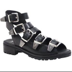 Bronx buckle sandals
