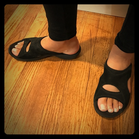 ef98401745 Merrell Shoes | Slip On Black Sandler With Arch Support | Poshmark