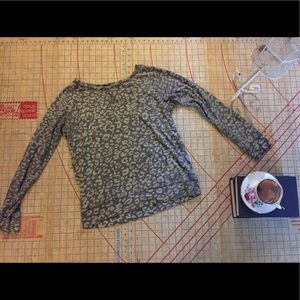 Never worn leopard sweatshirt by GAP size medium