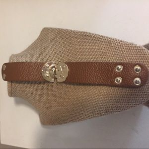Cara Jewelry - Cara leather cuff
