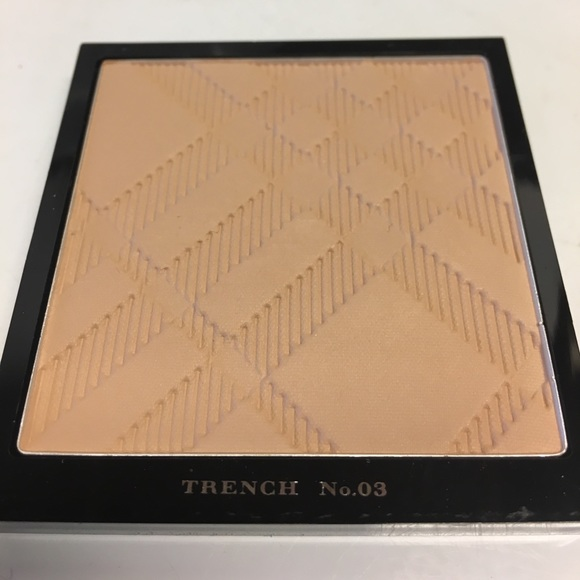 Burberry Other - Burberry Powder Foundation Trench 3