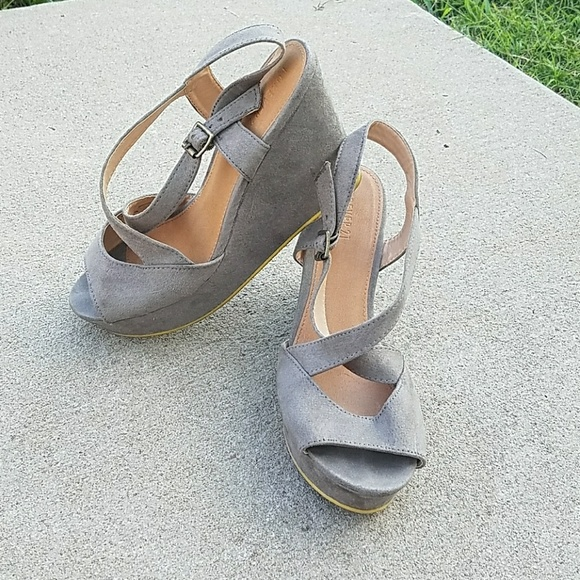 77% off Forever 21 Shoes - Forever 21 Gray Wedge Heel ...