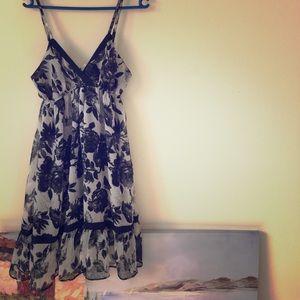Dresses & Skirts - NWT black and grey floral chiffon dress
