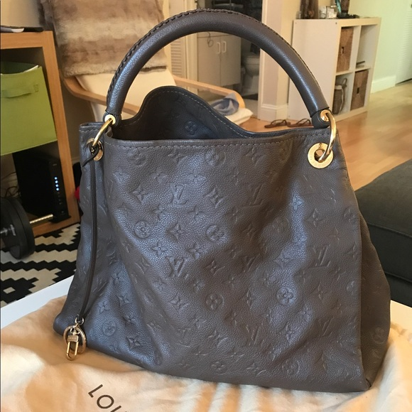 33261b097df1 Louis Vuitton Handbags - LOUIS VUITTON Monogram Empreinte Leather Artsy MM