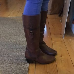 Size 8 Leather Clarke boots